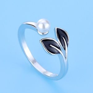 Sterling silver adjustable band Ring